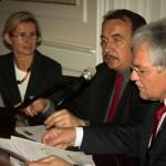 Iwona Mazur - Prezes OSOD, Wojciech Kozak - Wicemarszałek Wojewodztwa Małopolskiego, Stanisław Kracik - Wojewoda Małopolski.